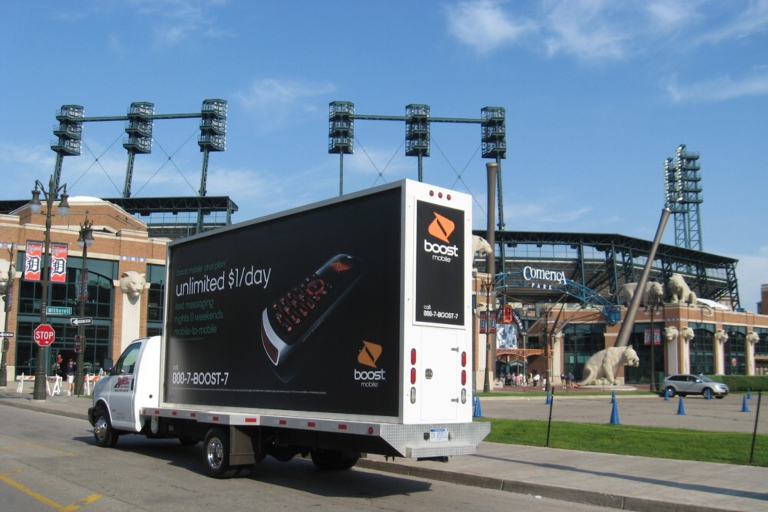 detroit mobile billboard advertising truck